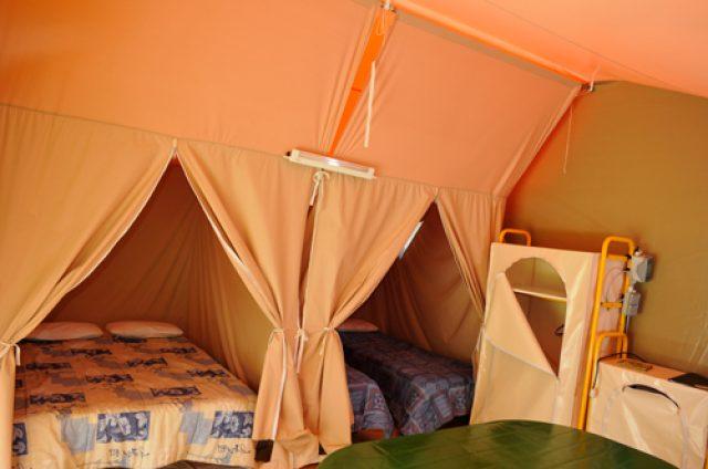intérieur tente Puy